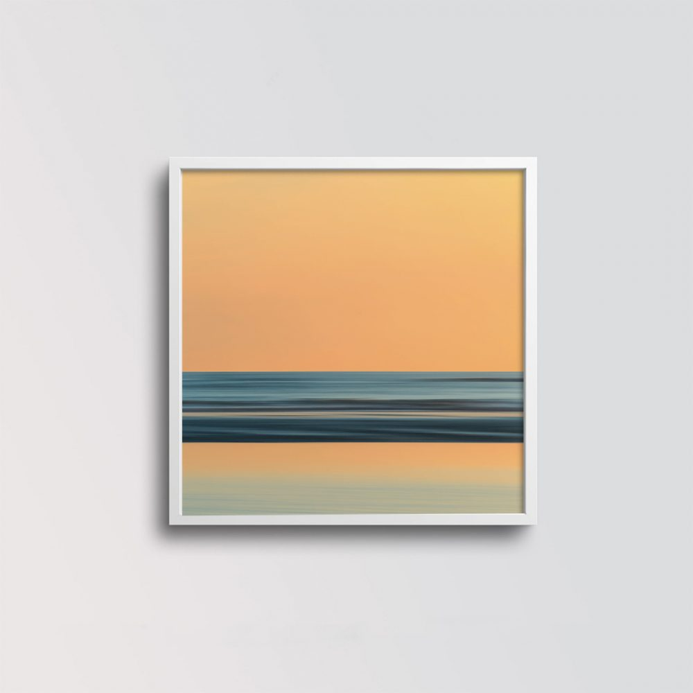 'Sunrise at the North Sea' von Holger Nimtz