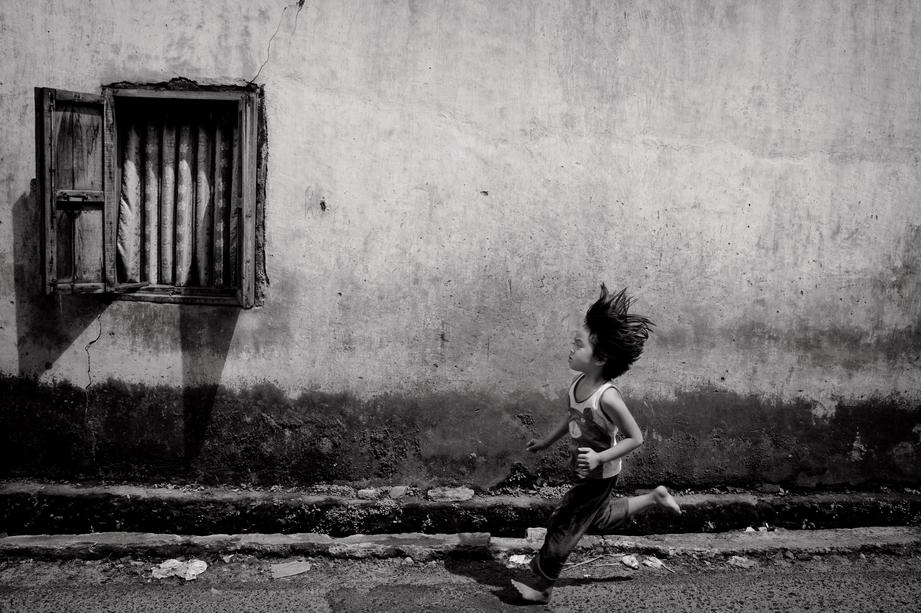 Fotokunst von Mikael Jansson - Born to run