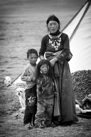 TIBETAN PEOPLE, # 2 von Stephan Opitz